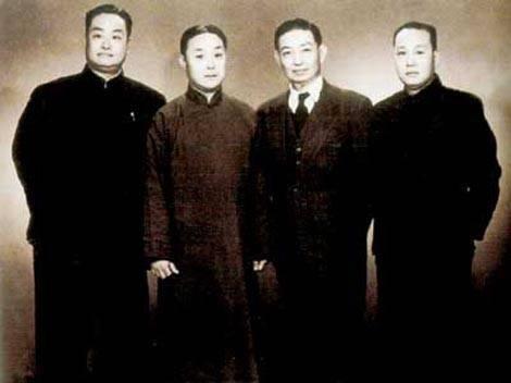 Hombres-en-papeles-femeninos-opera-de-beijing